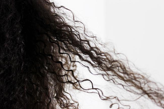 Dafni-brosse-lisser-cheveux-frises-1