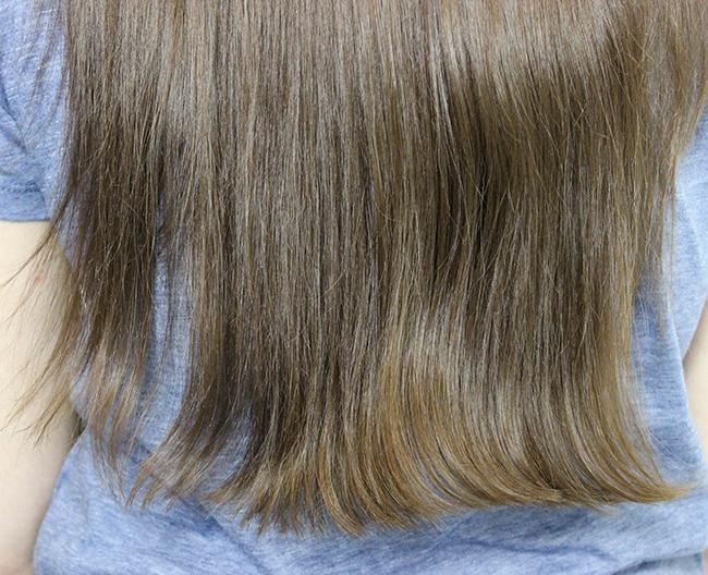 Dafni-brosse-lisser-cheveux-ondules-1