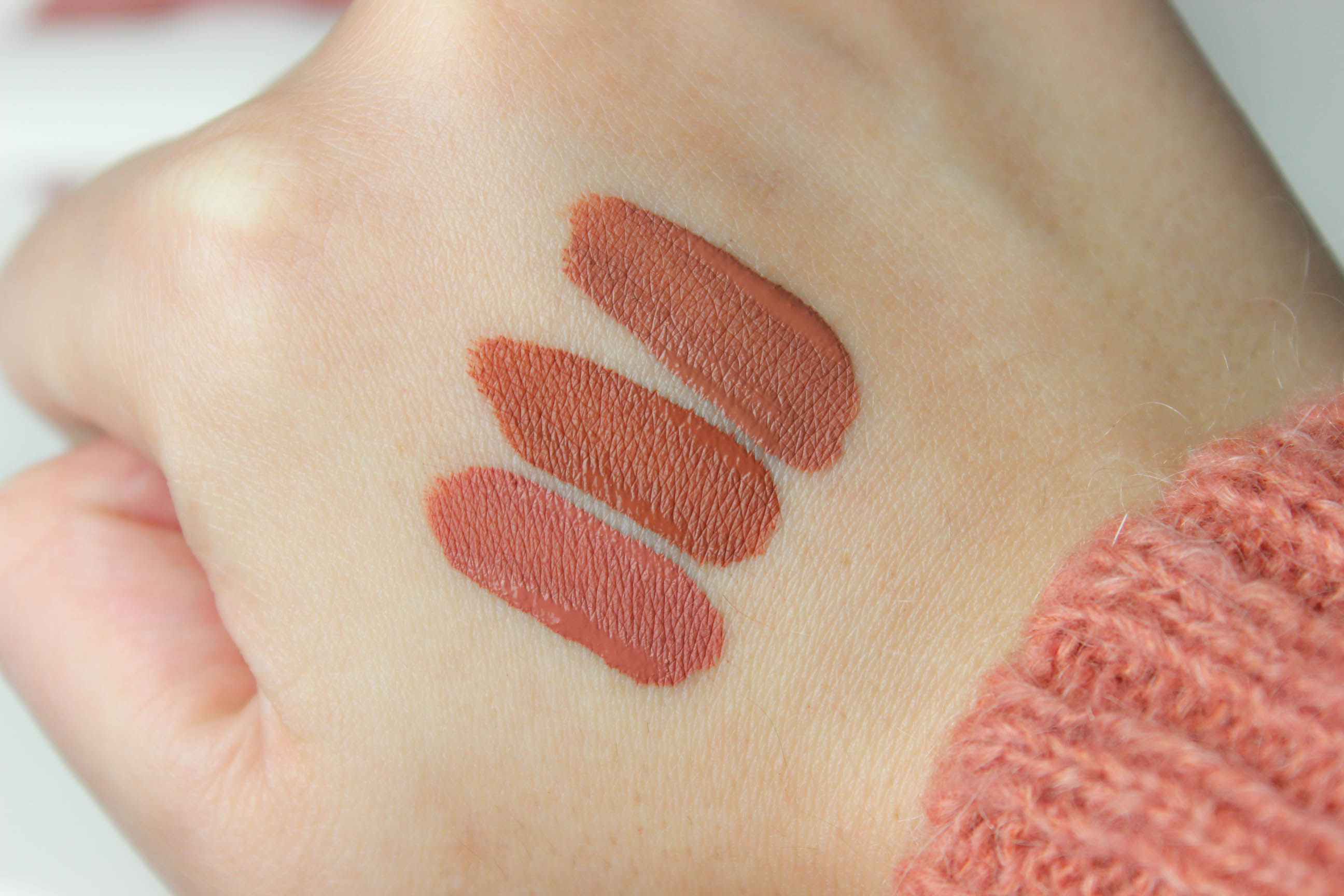 Huda Beauty_ Matte_Rouge à lèvres_liquide_18