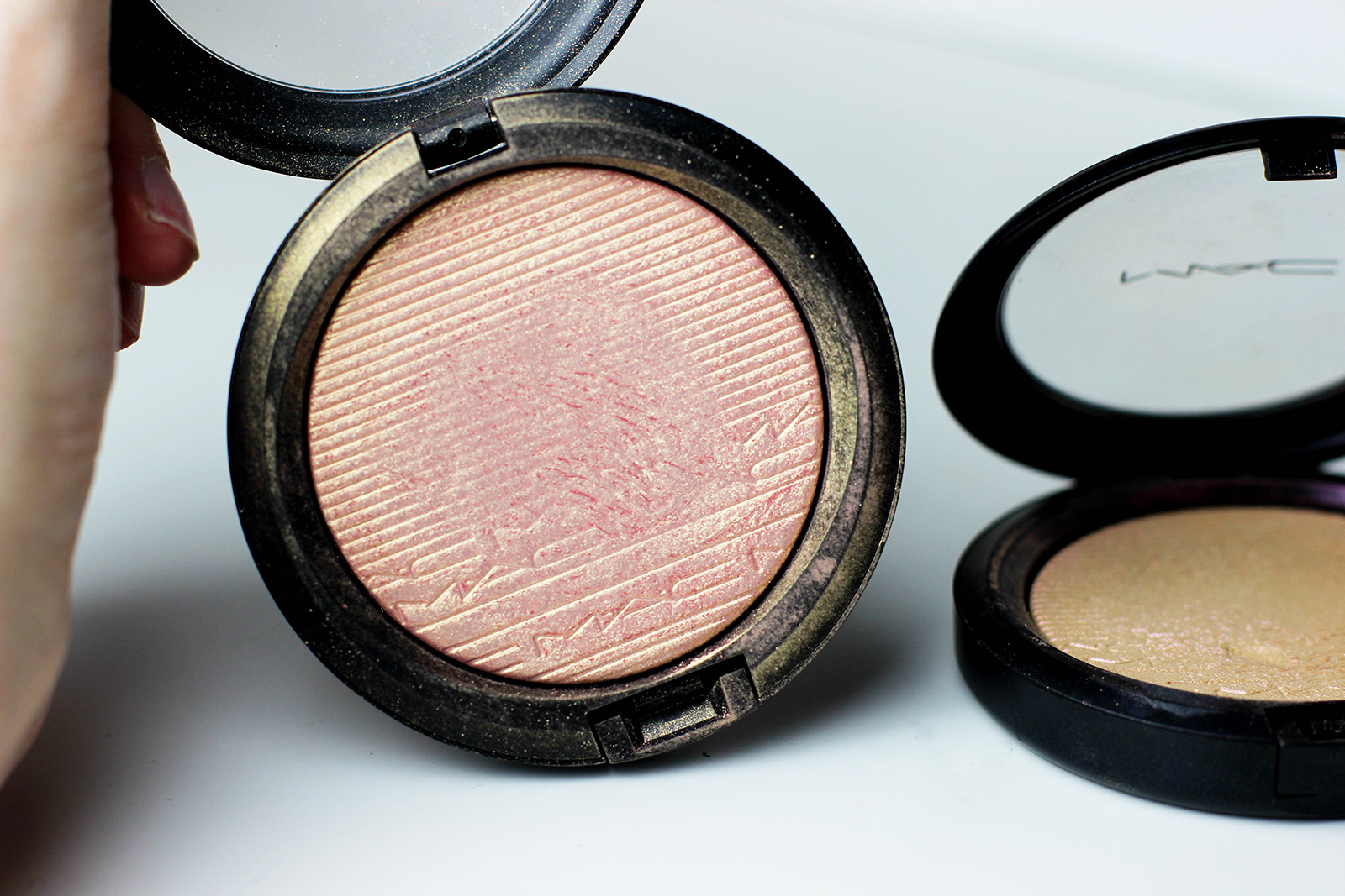 highlighters Skinfinish_Extra Dimension_MACcosmetics-9