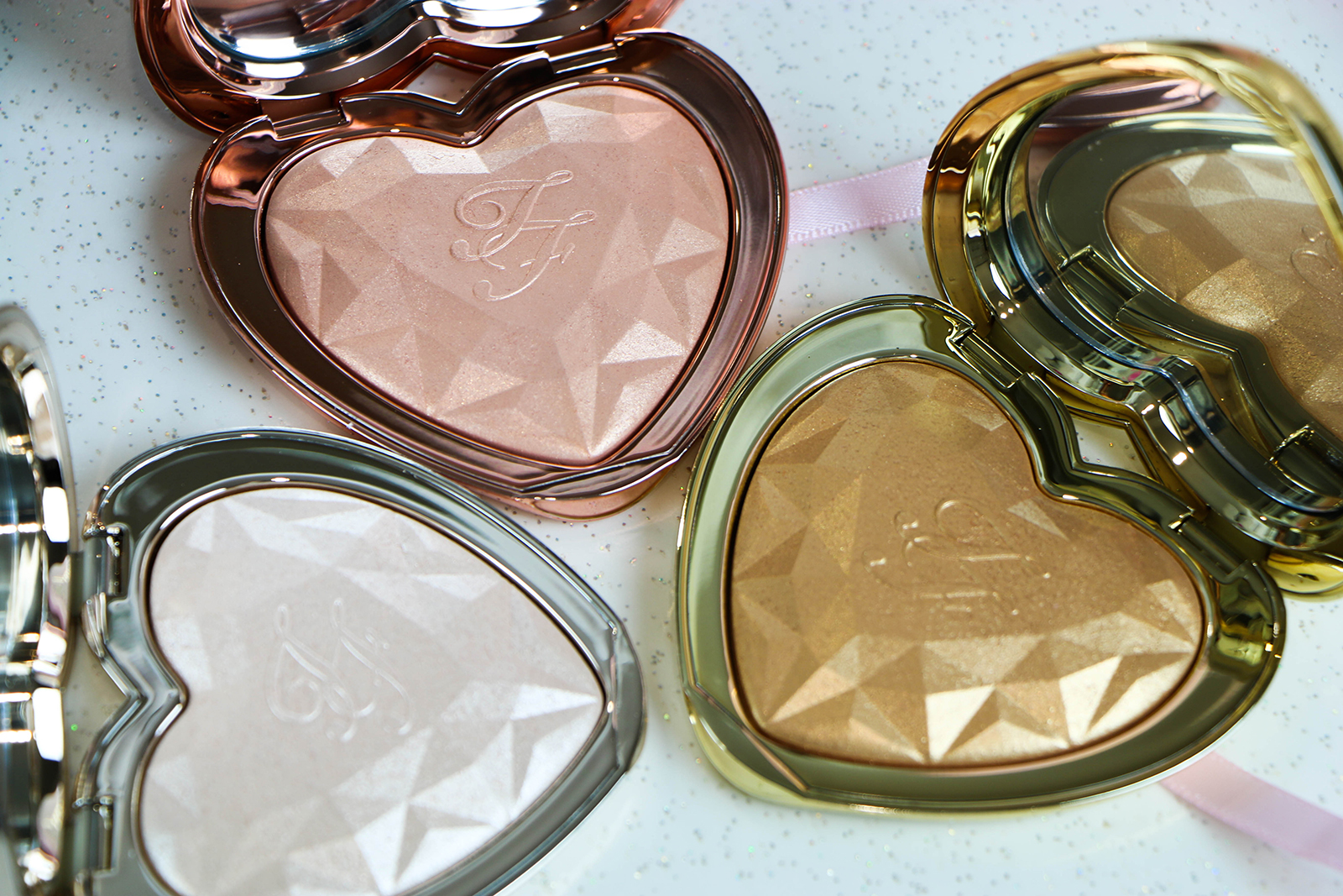 Too Faced Love Light Enlumineur_1
